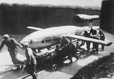 V-1 flying bomb image